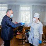Президент рассказал работникам районной больницы Единец о запланированном в этом году повышении зарплат (ФОТО)