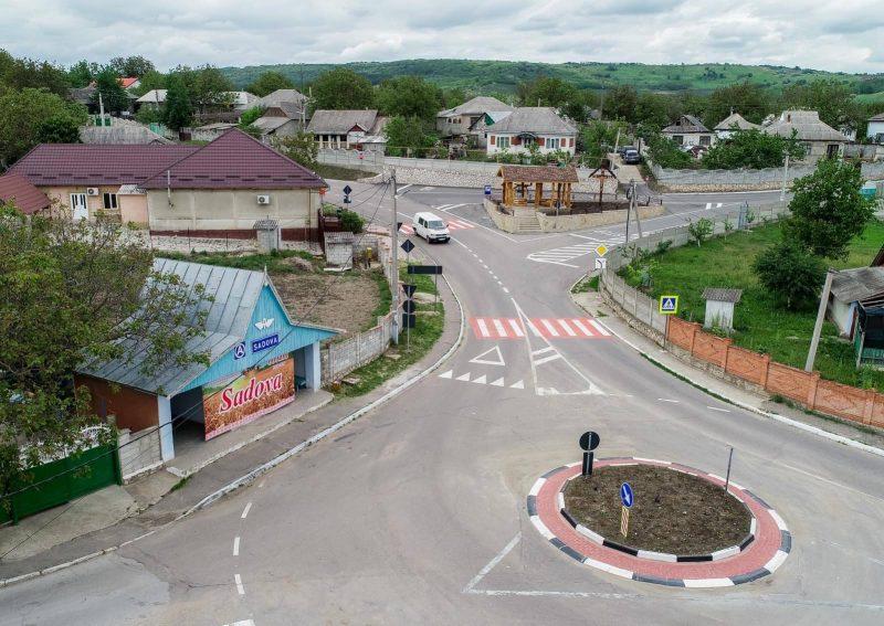 Дороги, колодец, памятник: жители Садова вместе с президентом благоустроили населенный пункт по случаю его 600-летия (ФОТО, ВИДЕО)