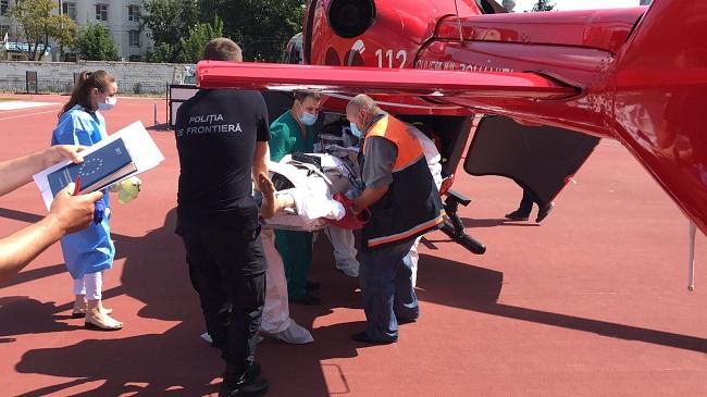 Экипаж SMURD доставил в Кишинёв пациента с множественными травмами (ФОТО)