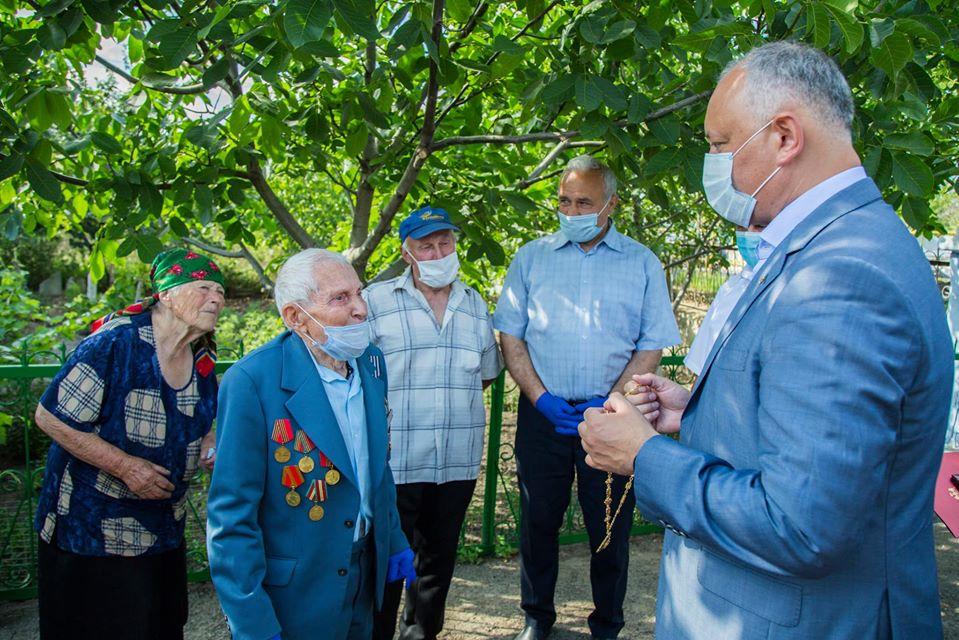 Еще один ветеран ВОВ получил Орден Республики от Игоря Додона (ФОТО, ВИДЕО)
