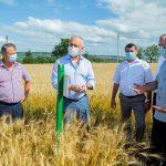 Президент посетил два сельскохозяйственных предприятия во Флорештах