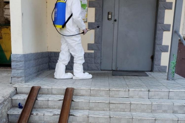 В жилых домах Центра и Чекан проводится комплекс мер по уничтожению грызунов и насекомых