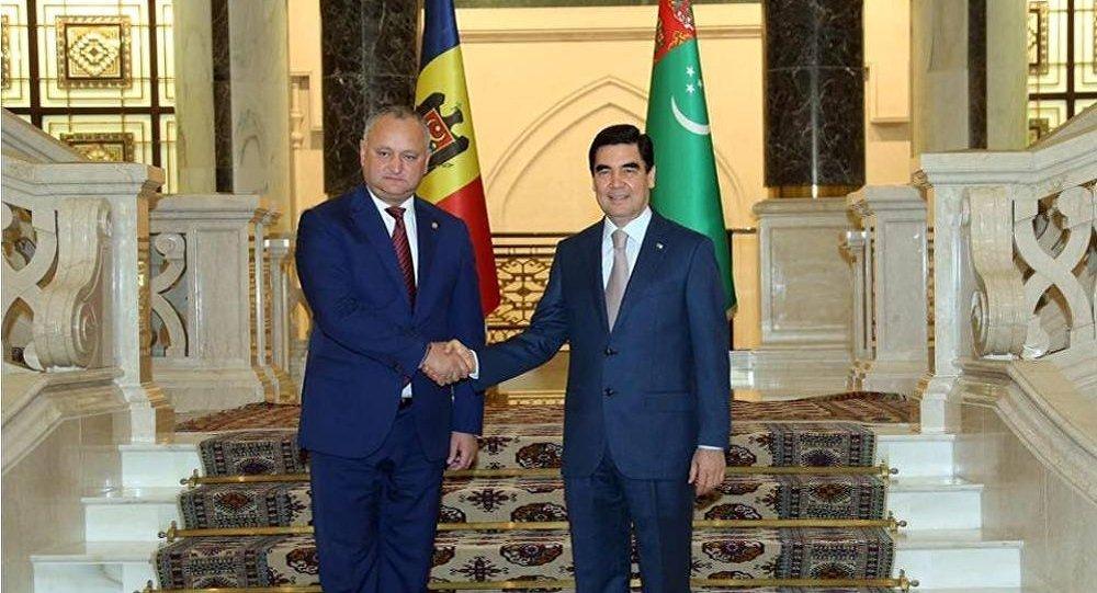 Игорь Додон поздравил президента Туркменистана с днем рождения