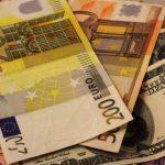 Сколько будут стоить евро и доллар в среду