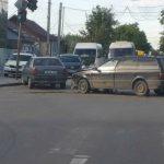 Два автовладельца не поделили перекрёсток в Комрате (ВИДЕО)