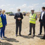 Премьер проверил ход строительных работ на объездной дороге в Комрате