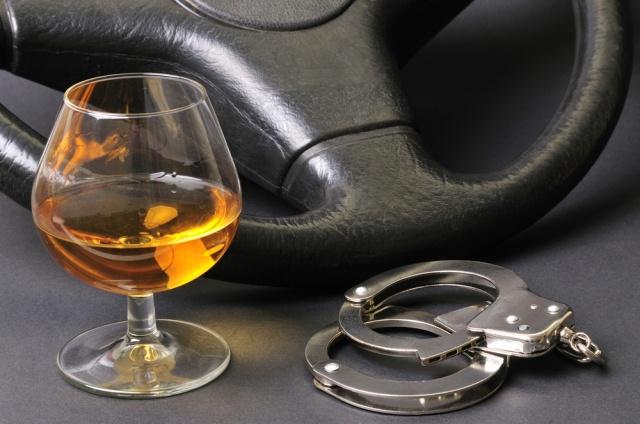 Уголовные дела грозят водителям, дважды пойманным за пьяную езду