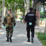 Профилактика COVID-19: военные помогают полицейским патрулировать улицы города