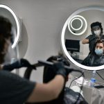 """Бельцкий полицейский за взятку пообещал """"закрыть глаза"""" на нарушения салона красоты в период пандемии"""