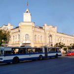 Ограничение работы общественного транспорта в Кишиневе в будни могут отменить