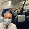 Обычным рейсом, рядом с гражданами: Игорь Додон возвращается домой после успешной поездки в Москву (ФОТО)