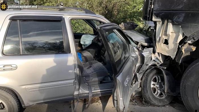 Авария в столице: таксист сел пьяным за руль