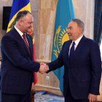 Додон поздравил Назарбаева с юбилеем