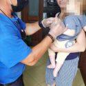 Спасатели помогли малышу, чей палец застрял в игрушке (ФОТО)