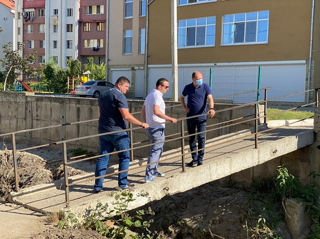 Чебан проинспектировал работы по очистке русла реки Дурлешть (ФОТО)