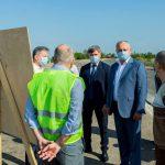 Президент проинспектировал строительство участка объездной вокруг Кишинева (ФОТО)