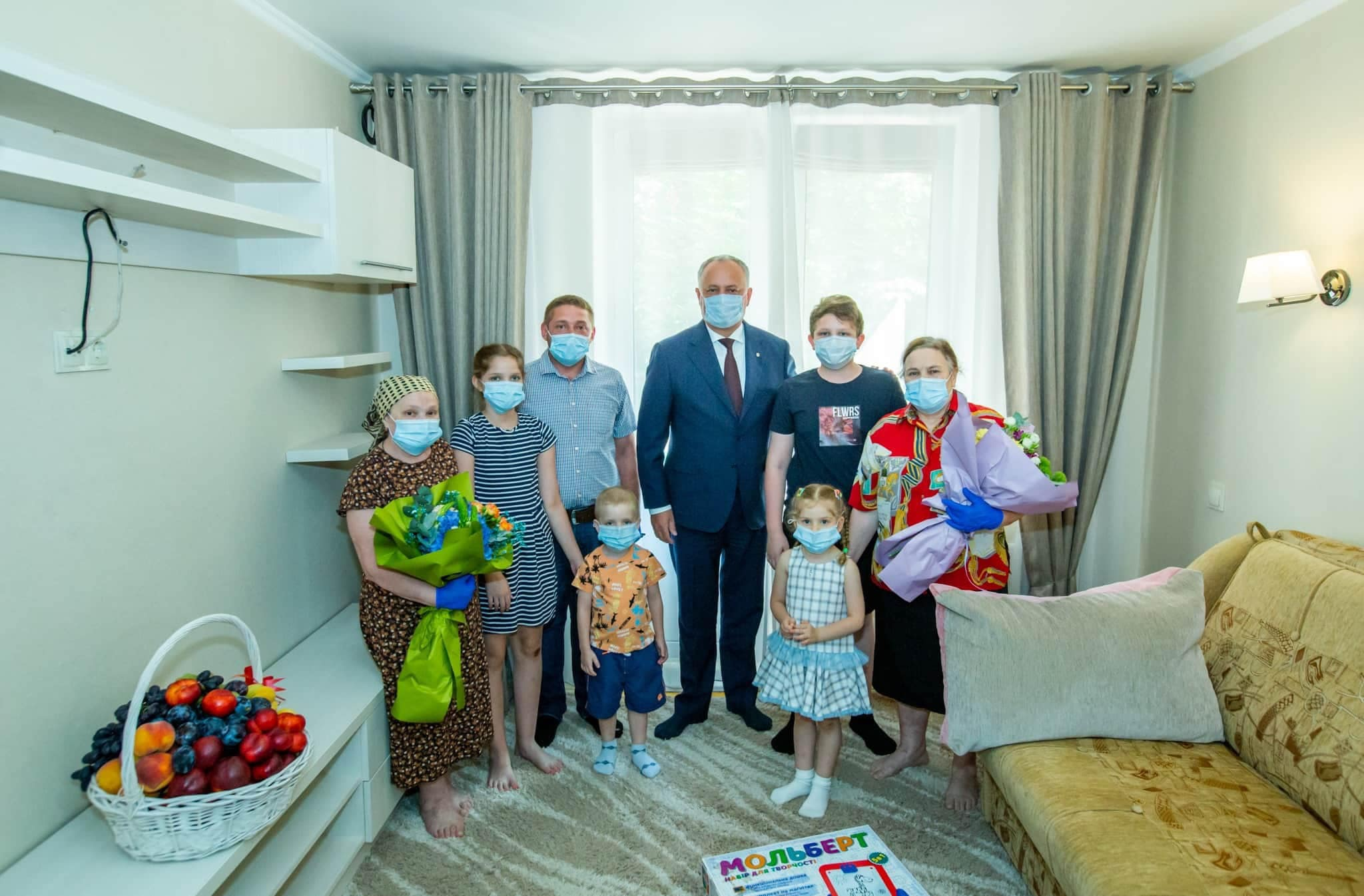 Президент помог еще одной семье обрести крышу над головой (ФОТО, ВИДЕО)