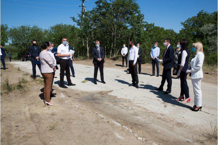 Премьер посетил Леовский район