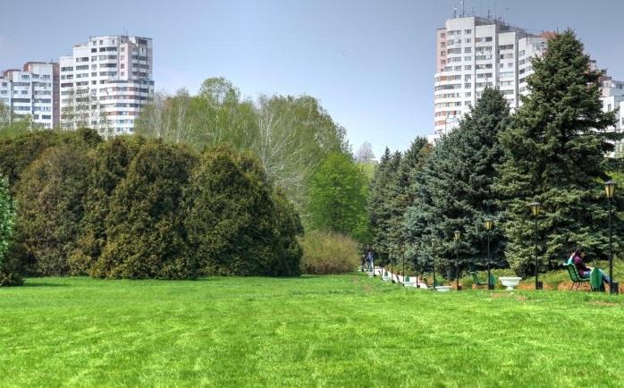 Кататься на велосипедах и выгуливать домашних животных запрещено: что вошло в список ограничений для посетителей Ботанического сада