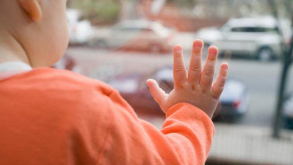 Инцидент в Рыбнице: годовалый ребенок чуть не выпал из окна
