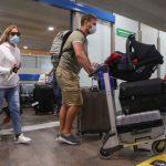 Со среды Россия отменяет двухнедельную изоляцию для въезжающих