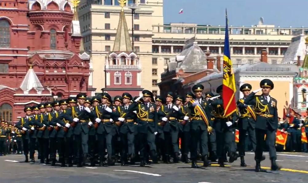 Додон: Ни один из принявших участие в Параде Победы молдавских военных не заболел коронавирусом