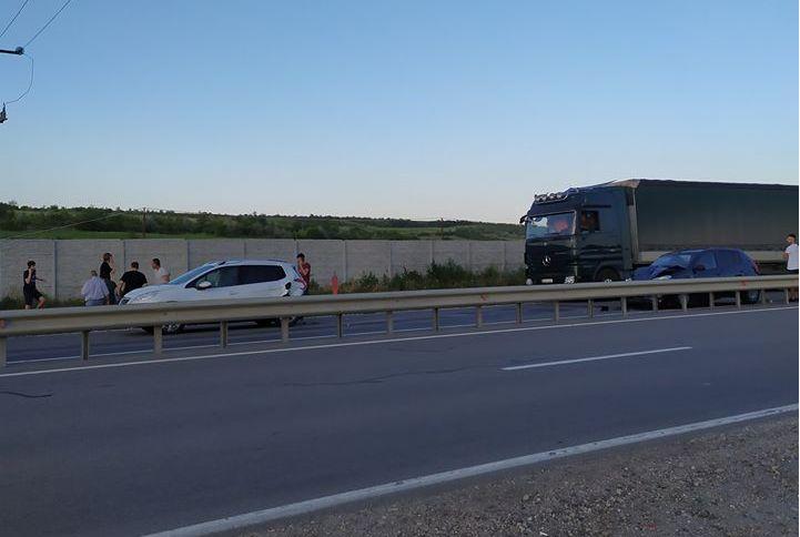Два автомобиля столкнулись в Страшенах (ВИДЕО)