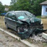 Нетрезвый водитель врезался в опору ЛЭП: пострадали двое пассажиров