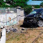 Пьяный водитель снёс железобетонный столб