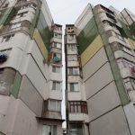 В Кишинёве девочка-подросток разбилась насмерть, упав с 10-го этажа