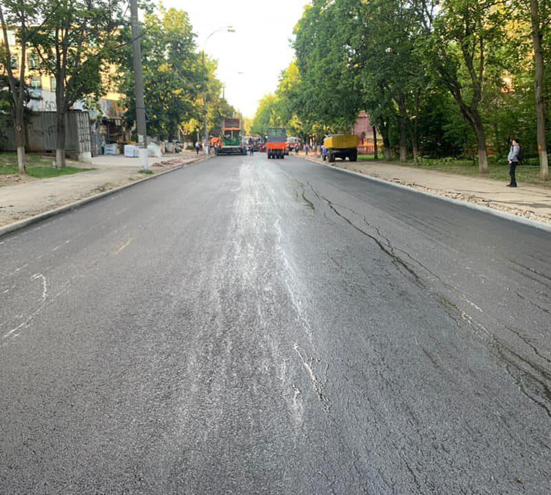 Жителям города нужны хорошие дороги: генпримар проверил ход ремонта улицы Ион Пеливан