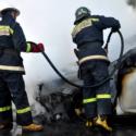 На одной из улиц столицы загорелся автомобиль (ВИДЕО)