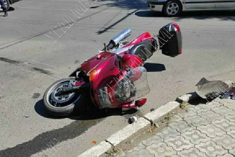 Не уступил дорогу: невнимательный водитель сбил мотоциклиста