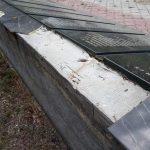 Вандалы разбили облицовочную плитку на постаментах комплекса с именами воинов, павших при освобождении Гура Быкулуй