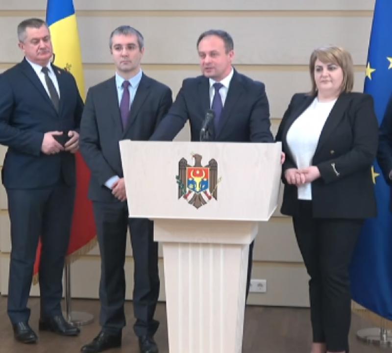 """Додон: Группировка """"Про-Молдова"""" – как паршивая овца (ВИДЕО)"""