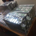 Переоборудовали машины, чтобы провезти контрабанду: на таможне нашли около 130 тысяч сигарет (ФОТО)