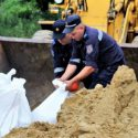 Защита от наводнений: спасатели укрепили ещё несколько дамб (ФОТО, ВИДЕО)