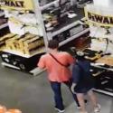 Парочка рецидивистов попалась при попытке украсть из магазина инструмент (ВИДЕО)