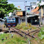 Вьетнам глазами Взорова. Улица по которой идут поезда или жизнь на рельсах