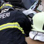 Авария в Унгенах: спасатели достали водителя из смятого об дерево авто