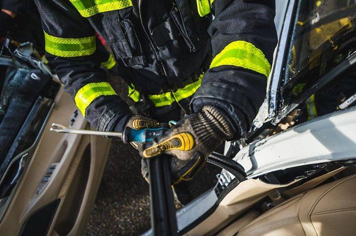 Серьёзное ДТП в Сынжерей: спасатели вызволяли зажатого в микроавтобусе водителя (ФОТО)