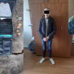Юные бандиты: в столице трое подростков ограбили прохожего