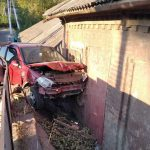 """ДТП в Сороках: водитель говорил по телефону, потерял управление и """"влетел"""" в частный дом"""