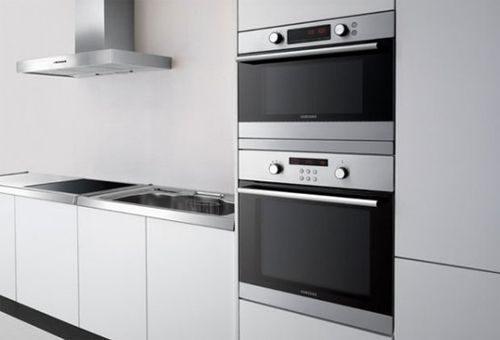Как лучше расположить духовой шкаф на кухне?