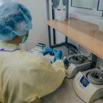 Лаборатории НАОЗ смогут удвоить количество обрабатываемых за сутки тестов на COVID-19