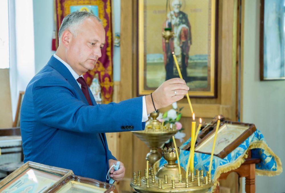 Президент помолился за мир в стране и за здоровье нашего народа ( ФОТО, ВИДЕО)