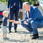 Президент помог многодетной семье, оставшейся без крыши над головой в результате пожара (ФОТО, ВИДЕО)