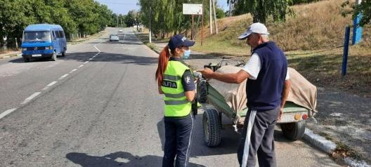 Не пить за рулём и проверять устойчивость груза: полиция даёт рекомендации водителям, перевозящим урожай