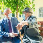 Глава государства посетил приют для престарелых в Леова и вручил Орден Республики ещё одному ветерану (ФОТО, ВИДЕО)