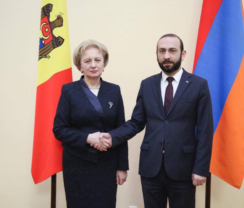 Спикер поздравила своего армянского коллегу с Днём независимости